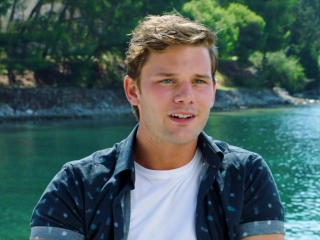 Mamma Mia! Here We Go Again: Jeremy Irvine on His Character Young Sam
