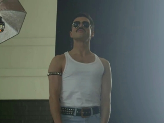 Bohemian Rhapsody: Becoming Freddie (Featurette)