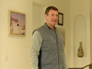 Flipping Out: Jeff And Gage Deal With A 'Crazy' Neighbor