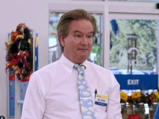 Superstore: Going The Extra Smile