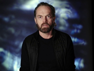 Mortal Engines: Hugo Weaving On Traction Cities