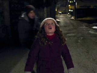 The Christmas Chronicles Santa.The Christmas Chronicles Kate And Teddy Catch Santa Clip