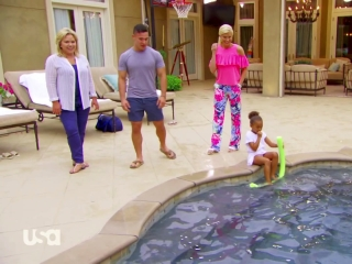 Chrisley Knows Best: Pool's Out For Summer