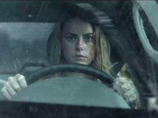 Crawl (International Trailer 1)
