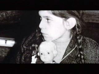 INTO THE ARMS OF STRANGERS: STORIES OF THE KINDERTRANSPORT Trailer