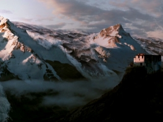 2012 (Trailer 1)