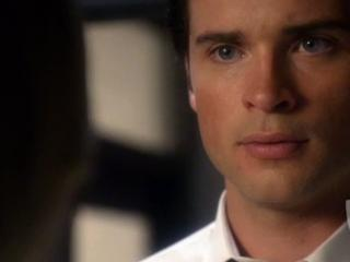 Smallville: Identity A Hero