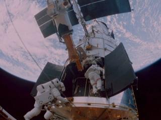 Hubble 3D (2010) - Rotten Tomatoes