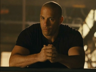 Fast Five: Tej And The Crew Examine The Bank Vault