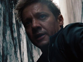 The Bourne Legacy: Aaron Rescues Marta From The Local Police