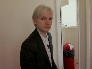 We Steal Secrets: The Story Of Wikileaks: Rock Star