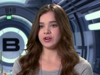 Ender's Game: Hailee Steinfeld On Battle School (2013 ...