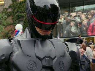 Robocop: Suit Up (Featurette)