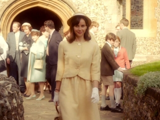 The Theory Of Everything: Portrait Of An Icon: Felicity Jones (Featurette)