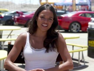 Furious 7: Letty Fight (Featurette)