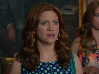 Pitch Perfect 2: On The Set (Featurette)
