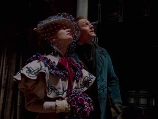 Crimson Peak: Thomas Carries Edith Across The Threshold Of Crimson Peak