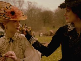 Crimson Peak: Edith And Lucille Talk About Butterflies