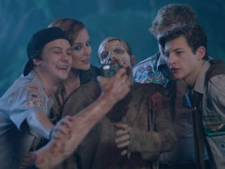 Scouts Guide To The Zombie Apocalypse: Selfie