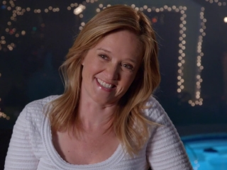 Sisters: Samantha Bee On 40 Year Old Party