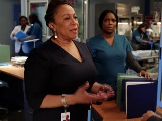 Chicago Med: Fingers Crossed